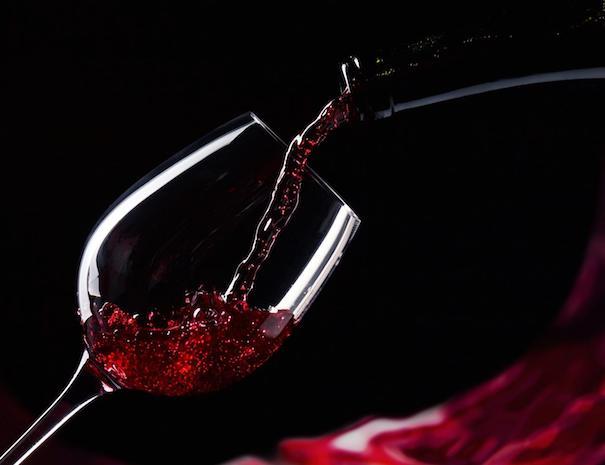 dark_wine_pouring