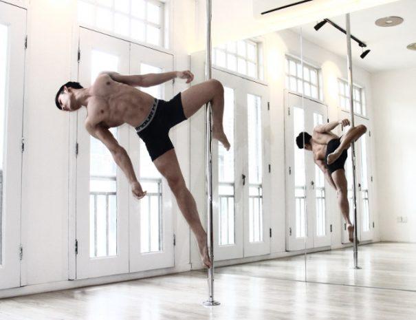 pole_dance_guy